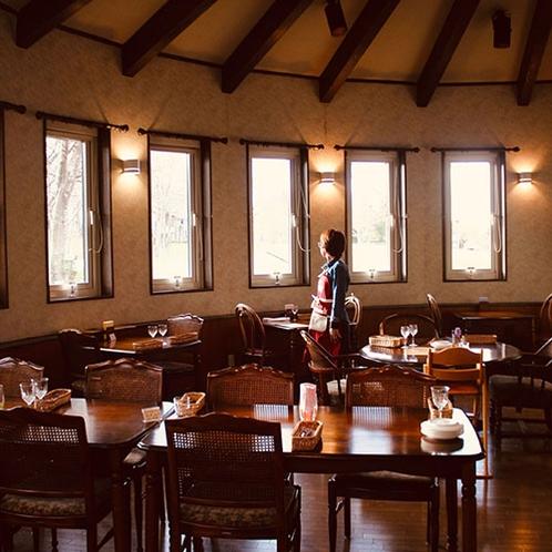 ・お食事はLife is Beautiful のレストランにて