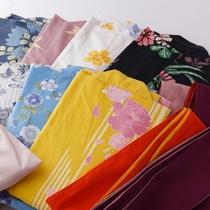 お好きな色浴衣をお選びいただけます。着付けもお手伝いいたします。(お一人様1,080円)