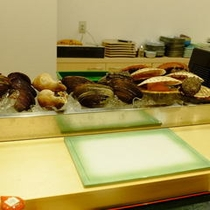 フロントデスク横 はこだて寿司 小上がり