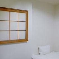 窓のないシングルルーム