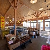 """*海鮮市場""""蒸し釜や""""/小浜で獲れた新鮮な海産物やお野菜を、蒸し釜で蒸して食べる飲食店です。"""