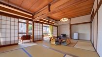 *和室12畳(客室一例)/グループやご家族でのご宿泊にお勧め!ごゆっくりお寛ぎ下さい。