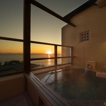 ホテル棟3階オーシャンビュー和洋室【58平米+露天風呂付】