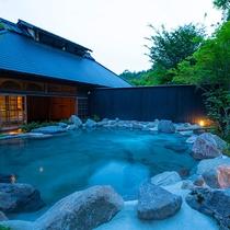 村中の湯 たゆたゆ 露天風呂