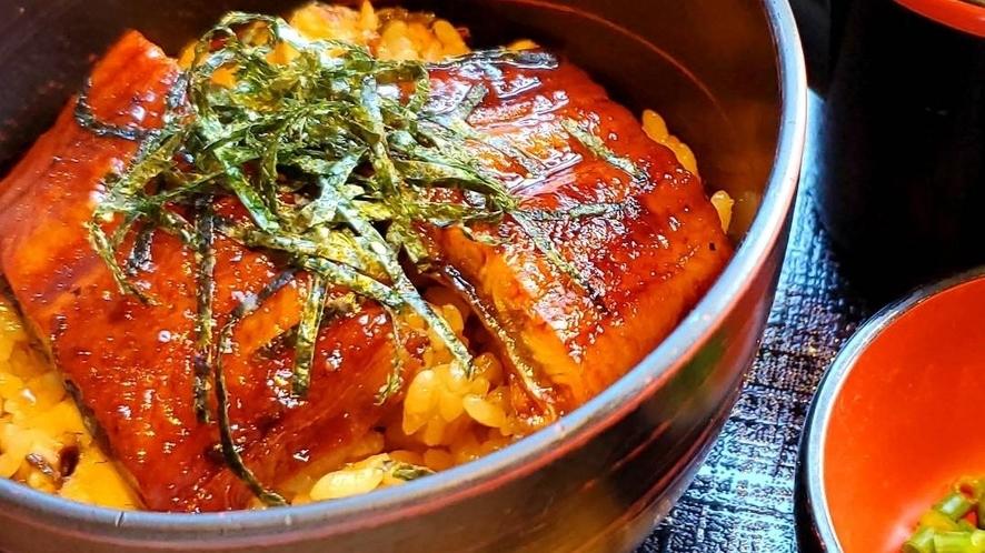 ■名古屋名物「 ひつまぶし」※写真をクリックすると食べ方の説明がございます