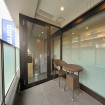 ◆喫煙ブース(2階)