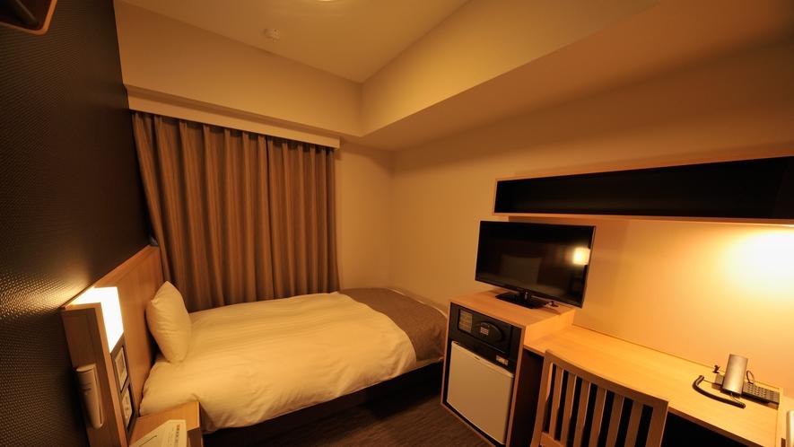 ◆セミダブルルーム【禁煙・喫煙】13.8~14.2平米 ベッドサイズ120×195センチ