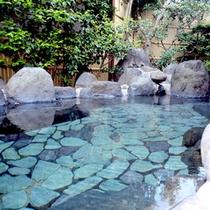 *【露天風呂】源泉かけ流しの温泉です。