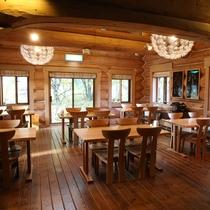 ■木の温もりを感じられるレストラン