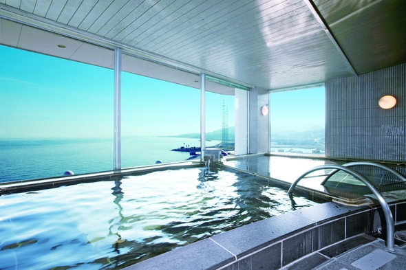 【朝食付】空の見える屋内プールでリフレッシュ 屋内プール無料特典付プラン