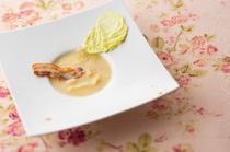 春キャベツと新ジャガイモの田舎風スープ