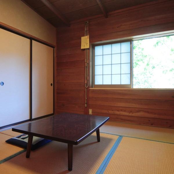 和室6畳のお部屋です。ご夫婦でゆっくりと。