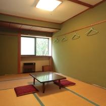 和室7.5畳のお部屋です。親子4人でいい大きさです。