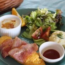 ゆっくりと休日の朝食をお楽しみください♪