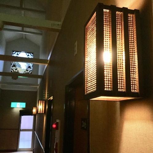 2階廊下ライト