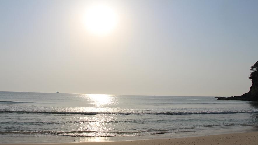 朝日の白浜海岸
