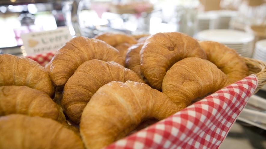 朝食のパン(イメージ)