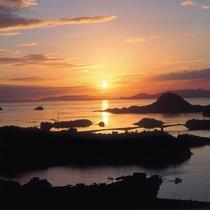 *絶景!夕日に染まる天草の海
