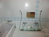 【秋月】専用のお風呂です。お部屋は2階ですがこちらのお風呂は1階にございます、