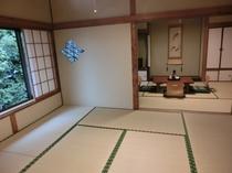 秋月の間、奥の8畳から、広々とした和室です。。