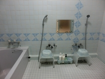 【秋月】ご専用の広々としたお風呂。お部屋は2階ですが、お風呂1階になります。