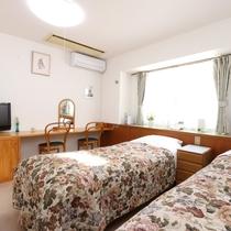ツイン・洗面トイレ付◆明るく過ごしやすいお部屋