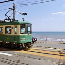 海が見えるレトロな電車「江ノ電」に乗ろう!古都鎌倉と湘南江の島をなど、観光地をまわるのにとても便利♪