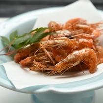 *川えび掻き揚げ/サクッとする食感、ジワッ…と広がる海老の甘みが絶妙の一品