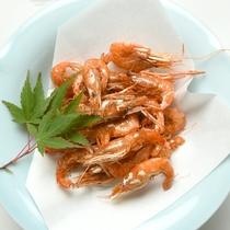 *川えび唐揚げ/サクッとする食感、ジワッ…と広がる海老の甘みが絶妙の一品