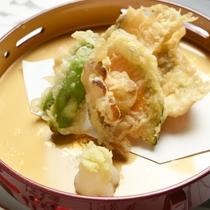 *天ぷら/揚物は季節によって中身は変わります、さっくりさくさく、大人から子供まで楽しめる一品