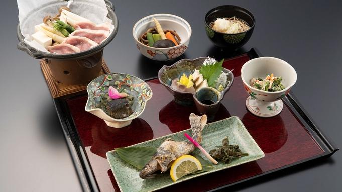 <利賀そば九種盛り>〜利賀そばと岩魚と山菜と〜