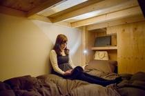 男女共用ベッドルーム内部2