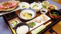 *【料理】夕食一例でございます。湖北路ならではの味覚をご賞味下さい