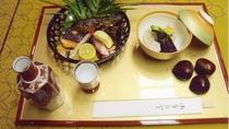 *【料理】夕食一例でございます。旬の素材を活かしたお料理をお召し上がりください