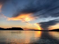 【夕日①】一度たりとも同じ景色はない、美しい夕日を目に焼き付けて