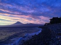 【夕日③】御浜岬の印象的な富士山~奇跡のような美しさ~
