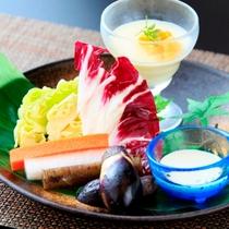 伊豆野菜をオリジナルソースで