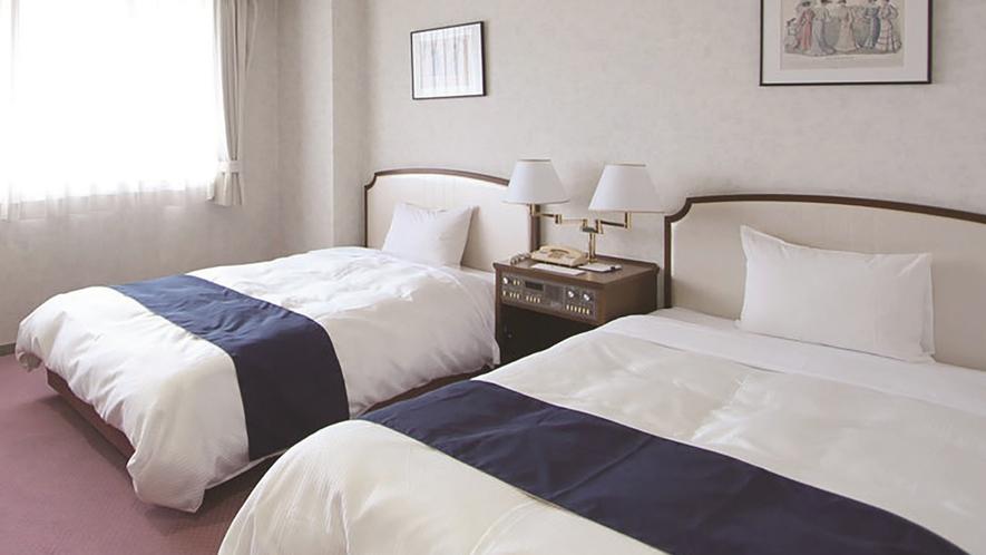 ・スタンダードツイン_ホテル特有のデュベスタイルが深い眠りへ誘います