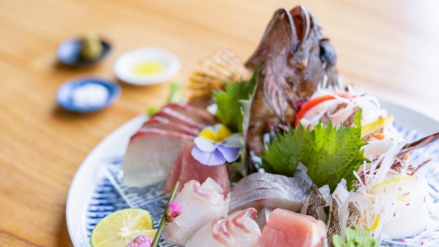 採れたて鮮魚お造り盛り合わせ