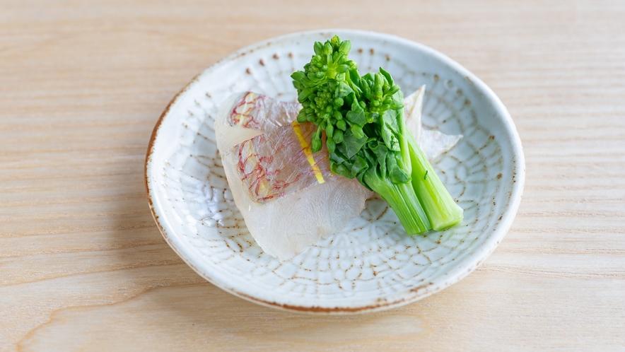 いとよりの昆布締め菜の花辛し和え(お通し12種)