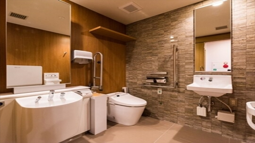 2階に多目的トイレがございます