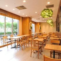 ♡【朝食コーナー②】:朝食会場は、お一人様でも気軽にご利用いただけますよう、2人掛けの席も多いです☺