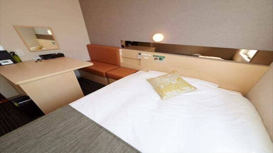 広々としたベッドでごゆっくりおくつろぎ頂けます