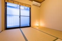 2階寝室(南側の和室)