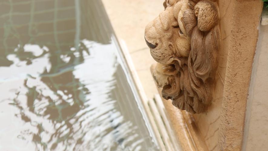 大理石を施したお風呂は殺菌・美肌効果の高いオゾンを取り込んだ人工温泉です♪