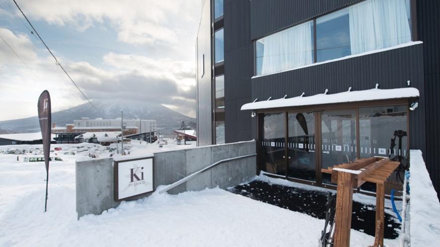 【スキーバレー】出入口は「ヒラフゴンドラ」直結です!