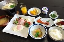ボリュームのある人気の朝食