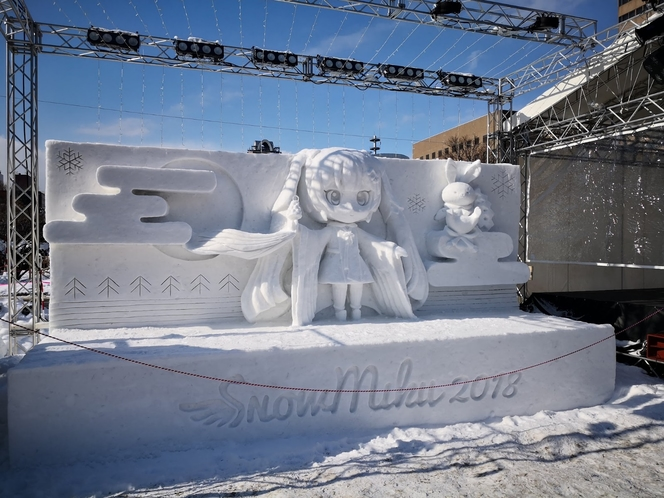 雪まつり 初音ミク雪像
