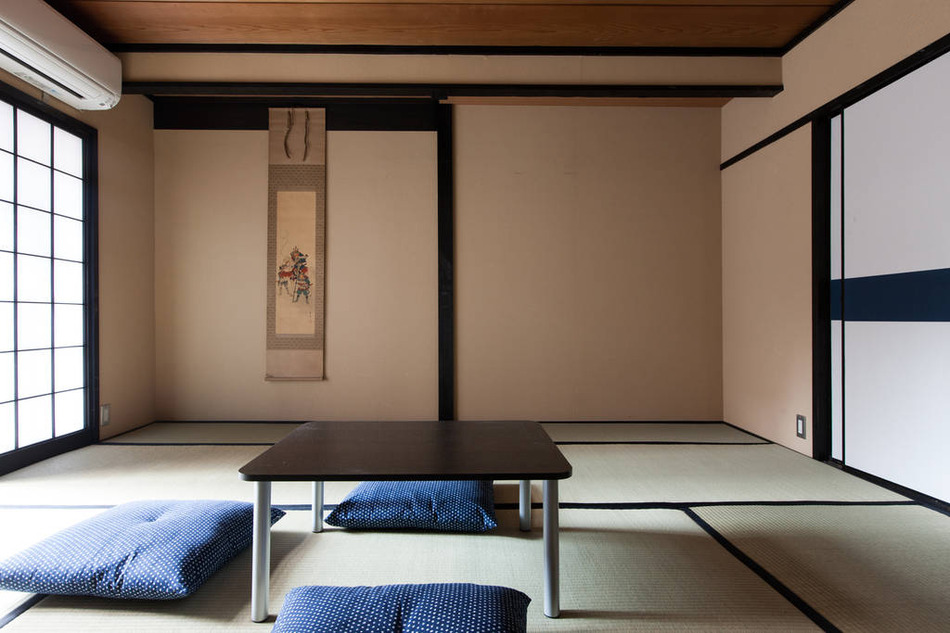 1F個室庭3