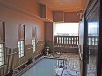 【温泉】浴場からの景色を楽しみながらお寛ぎください